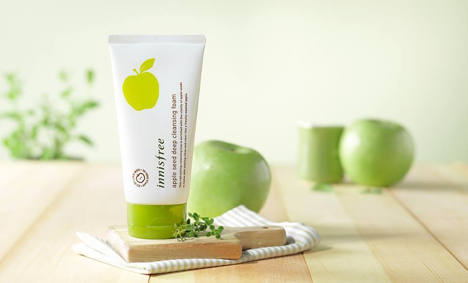 sua-rua-mat-huong-tao-innisfree-apple-seed-deep-cleansing-foam