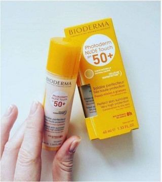 Kem .Chống Nắng - Bioderma Photoderm Nude Touch SPF 50+