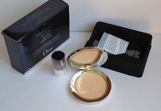 .Phấn phủ - Diorskin Nude Air Powder